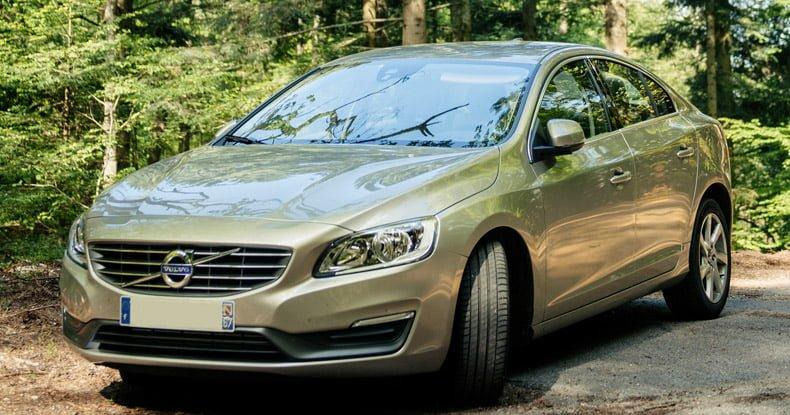 purchasing hybrid car